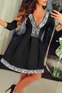 Lace Spliced Plunging Neck 3/4 Sleeve Dress