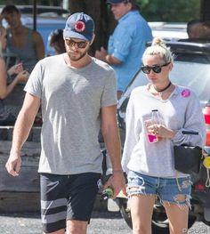 Dunkle Wolken? Miley Cyrus und Liam Hemsworth canceln Flitterwochen: Miley hat keine Lust auf Bora Bora - http://ift.tt/2bluhnq