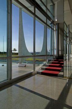 Alvorada Palace : Palácio da Alvorada, Brasilia | Oscar Niemeyer