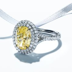 Get some color. Tiffany Yellow Diamonds possess all the characteristics that make white diamonds so beautiful: fire and brilliance. Their rare hue captures the warmth and splendor of sunlight itself.