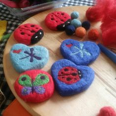 Felted Soap, Wet Felting, Needle Felting, Baba Marta, Hedgehog Craft, Felt Birds, Home Made Soap, Handmade Soaps, Soap Making
