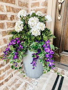 Tutorial on how to arrange and use artificial flowers and plants in outdoor planters. #ABlissfulNest #gardening #outdoorplanters Faux Outdoor Plants, Outdoor Flowers, Outdoor Planters, Faux Plants, Tall Potted Plants, Porch Plants, Artificial Flowers Outdoors, Fake Flowers, Artificial Plants