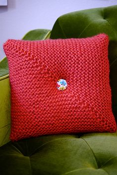 Mitered Square Pillow by VickieHowell, via Flickr with link to PDF version on Ravelry