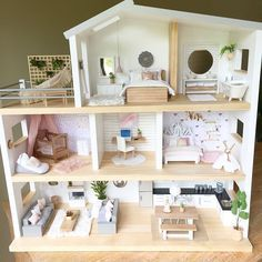 405 vind-ik-leuks, 24 reacties - Whimsy Woods Designs. (@whimsy_woods) op Instagram: 'My friend Jess from @modern_dollhouse_designs is just an amazing person and she also puts together…' Dollhouse Design, Modern Dollhouse, Dollhouse Miniatures, Mansions Homes, Wood Design, Floating Shelves, Kids Room, Bed, Instagram Posts