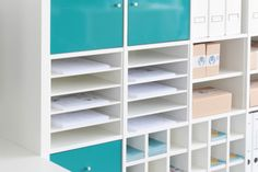 The IKEA Kallax collection Storage furniture is a vital section of any home. They supply buy and assist you to hold track. Trendy and wonderfully simple the rack Kallax from Ikea , for example. Etagere Kallax Ikea, Kallax Desk, Ikea Kallax Shelf, Ikea Kallax Hack, Ikea Shelves, Ikea Storage, Paper Storage, Ikea Office Hack, Ikea Craft Room