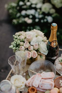 We are a French wedding planner that has years of experience in destination weddings in France. Paris Wedding, French Wedding, Chic Wedding, Wedding Details, Wedding Events, Wedding Ceremony, Paris Destination, Destination Wedding Planner, Event Planning
