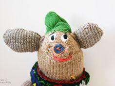 stuffed animals by mogu takahashi Polymer Clay Kawaii, Polymer Clay Animals, Weird Toys, Cool Toys, Stuffed Animal Patterns, Stuffed Animals, Sock Monster, Softie Pattern, Paper Dolls Printable