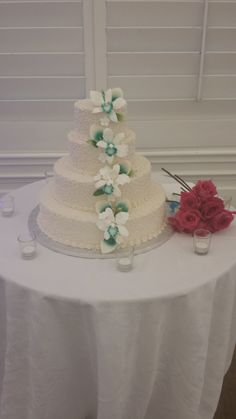 Simple but elegant three tier wedding cake.