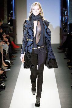 Balmain Fall 2010 Ready-to-Wear Fashion Show - Maryna Linchuk