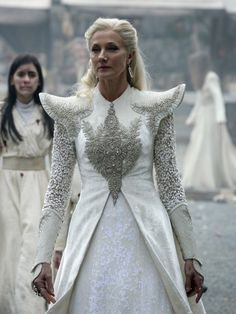 Joely Richardson as Glinda in Emerald City (TV Series, 2017). [x]