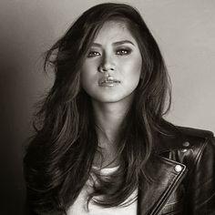 Filipina Beauty, Native American Women, Geronimo, Portraits, Face Hair, Portrait Inspiration, Facon, Woman Face, Female Art