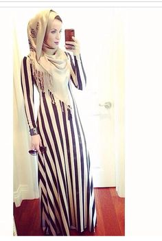 hijabi Selfie