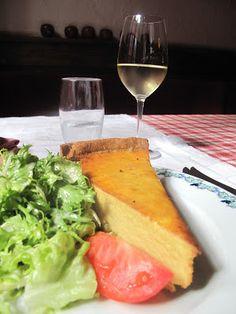 Tarte à l'oignon et salade de saison, à déguster avec un Sylvaner d'Alsace #DrinkAlsace