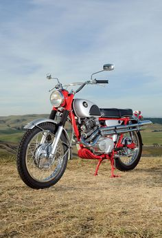 The Honda A Gentleman's Scrambler - Classic Japanese Motorcycles - Motorcycle Classics, Womens Motorcycle Helmets, Motorcycle Shop, Cruiser Motorcycle, Motorcycle Girls, Classic Honda Motorcycles, Honda Bikes, Vintage Motorcycles, Honda Scrambler, Scrambler Motorcycle