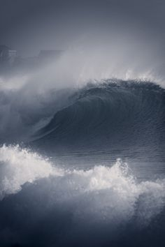 Like to watch some one else LIke to surf these Waves. Water Waves, Sea Waves, Sea And Ocean, Ocean Beach, Ocean Pics, Photo Ciel, Fuerza Natural, Le Grand Bleu, Stormy Sea