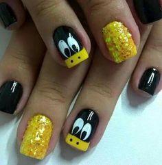 Cool sparkly and funky nails! Cute Nail Art, Cute Acrylic Nails, Nail Art Diy, Gel Nails, Duck Nails, Nails For Kids, Disney Nails, Super Nails, Yellow Nails