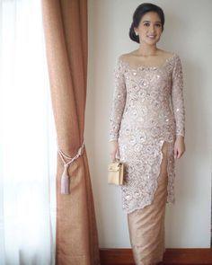 Image may contain: 1 person, standing Kebaya Lace, Batik Kebaya, Kebaya Dress, Dress Pesta, Batik Dress, Vera Kebaya, Kebaya Pink, Dress Brokat Muslim, Model Kebaya Brokat Modern