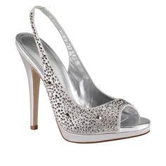 Zapatos plateados on 1001 Consejos  http://www.1001consejos.com/wp-content/uploads/2013/06/zapato-plateado-con-brillos-abierto.jpg