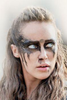 Alycia Debnam-Carey as Lexa Lexa The 100, The 100 Clexa, Warrior Makeup, Tribal Makeup, Commander Lexa, Alycia Jasmin Debnam Carey, The 100 Show, Clarke And Lexa, Ragnar