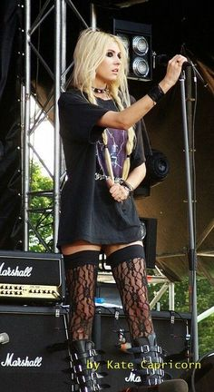 Taylor Momsen this is totally my style...