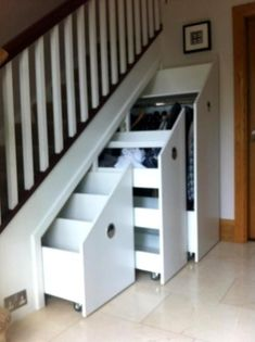 10 Under Stair Storage Ideas that Make Your House Look Stunning - . 10 Under Stair Storage Ideas that Make Your House Look Stunning - Staircase Storage, Stair Storage, Staircase Design, Closet Storage, Modern Staircase, Grand Staircase, Closet Under Stairs, Space Under Stairs, Basement Stairs