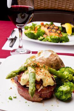 Elevate Surf and Turf With Crab Oscar Steak Topping Steak Recipes, Seafood Recipes, Dinner Recipes, Cooking Recipes, Holiday Recipes, Dessert Recipes, Carne Asada, Steak Oscar, Oscar Style Steak