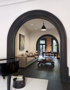 A Brooklyn Heights townhouse has been re-invented through a collaboration of an inspired client vision and a creative architectural realization with. Open Space Living, Living Spaces, Living Room, Home Interior Design, Interior Architecture, Modern Townhouse Interior, 1930s House Interior, Nyc Brownstone, Brownstone Interiors