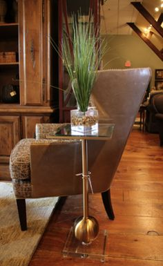 What a perfect little #sidetable for any room in your #home! Come to #WHLiving to start #decorating with our fabulous #homefurnishing items! #InteriorDesign #Decor #HomeDecor #LuxuryFurniture #Furniture #NJBusiness #NJShopping #FurnitureShopping #FurnitureShowroom  For more information visit www.WHLiving.com