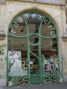 Pharmacie Lesage – 78 rue du général de Gaulle, Douvres-la-Délivrande (14) by Yvette Gauthier, via Flickr Art Deco, Art Nouveau Design, Design Art, Art Nouveau Architecture, Beautiful Architecture, Architecture Design, Douvres La Delivrande, Boutiques, Belle Epoch