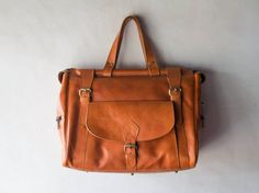 weekend bag, shoulder bag, Doctors bag bag, message bag, duffel bag, travel bag - Vegetable tanned leather - Handmade - Tanned - Large