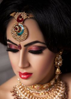 Indian bridal wedding makeup 2015 In this tutorial, we are showing very pretty elaborate beautiful bridal makeup look. Pakistani and Indian bridal makeup looks are very beautiful. Their beautiful fea Indian Makeup Tips, Bridal Makeup Tips, Asian Bridal Makeup, Wedding Day Makeup, Bridal Makeup Looks, Bride Makeup, Bridal Beauty, Bridal Tips, Indian Beauty