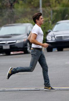 """Zac Efron no set do filme """"Townies"""" em Los Angeles"""
