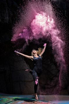 Photos and video from a recent powder shoot with a street dance group in Jersey.