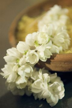pre-made bangles, flowergirls hand out, baskets at reception (wedding favour) Jasmine flowers are native to South India and are considered very auspicious for a bride, India. Provide bunches with hairpins for your wedding guests