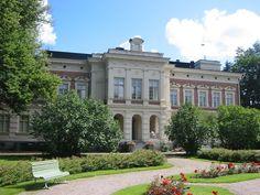 Hatanpää Mansion in Hatanpää arboretum, a botanical garden in Tampere Old Mansions, Mansions Homes, Blonde Hair Boy, Manor Garden, Big Town, Big Houses, Dream Houses, Art Nouveau Architecture, Old Buildings