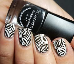 A Show of Hands: 40 Great Nail Art Ideas - Black & White
