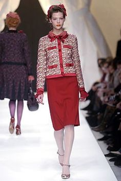 Moschino Fall 2004 Ready-to-Wear Fashion Show - Susan Eldridge