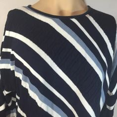 This sweater is in very good preowned condition. Fashionable Plus Size Clothing, Plus Size Kleidung, Striped Knit, Liz Claiborne, Plus Size Outfits, Pullover Sweaters, Knitting, Blue, Clothes