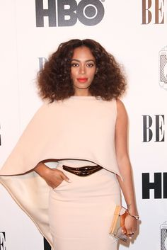 Solange does it again