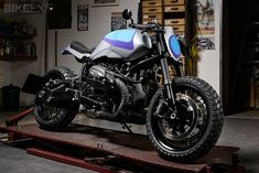 The GT201 tires from GoldenTyre on this BMW R nineT custom motorcycle