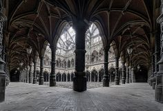 Corridors of commerce. By Odins Raven Photography Abandoned Buildings, Abandoned Places, Raven Photography, The Lovely Bones, Gothic Home Decor, Gothic House, Architecture Old, Corridor, Great Photos