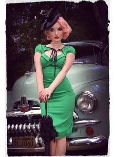 Kiss Me Darling Peekaboo Wiggle Dress (Emerald)