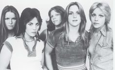 The Runaways= some original kick ass bitches!