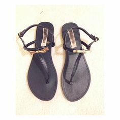 Steve Madden Sandal There are signs of wear. No trade✖️ Steve Madden Shoes
