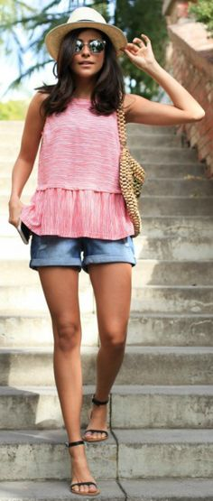 Sazan Barzani cute and feminine pink ruffle hem top classic denim shorts open toe sandals straw hat sunnies summer feel Outfit: Old Navy. Summer Outfits Women 20s, Classy Summer Outfits, Summer Outfit For Teen Girls, Cute Winter Outfits, Short Outfits, Outfits For Teens, Trendy Outfits, Cute Outfits, Fashion Outfits