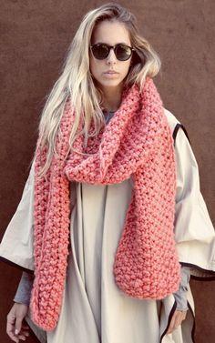 Cucho Scarf Kit - Buy Wool, Needles & Yarn Écharpes - Buy Wool, Needles & Yarn Kits de Tricot | WE ARE KNITTERS