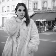 Dorra in black & white photoshoot || Winter outfits with fur coat
