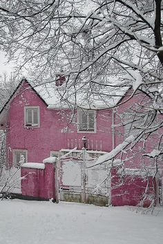A Pink country home...during the Winter time..I can see Peanut living here!!