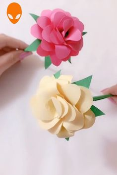 10 Creative Origami You Can Learn - DIY Tutorials Videos Paper Flowers Craft, Easy Paper Crafts, Paper Crafts Origami, Flower Crafts, Diy Flowers, Diy Paper, Flower Paper, Free Paper, Origami Design