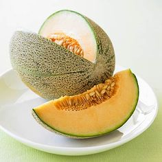 Eating for asthma: Cantaloupe is one of the best foods for your lungs. #healthyeating | Health.com